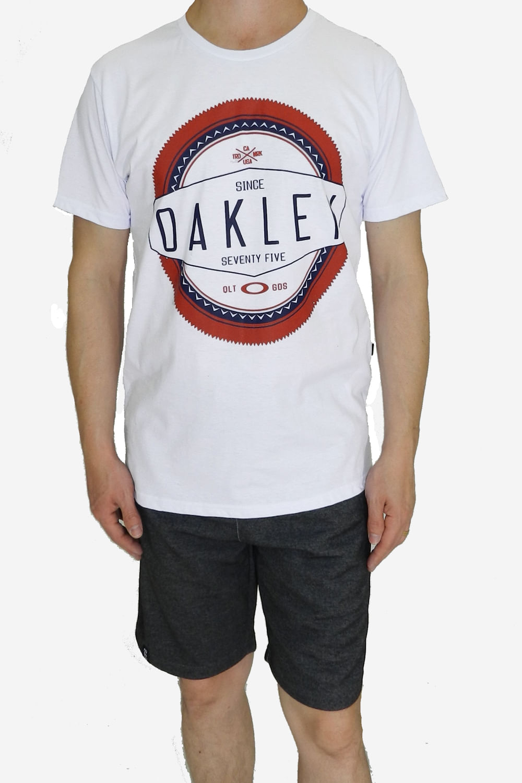 Camiseta Oakley Saw Branca - Carmim Modas b564e09e5011d