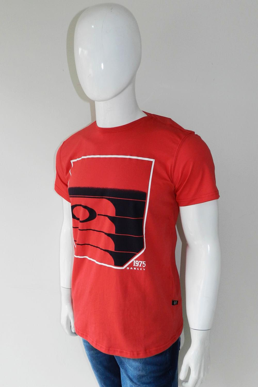 Camiseta Oakley Estampa 1975 Vermelho - Carmim Modas b4853dc9cf250
